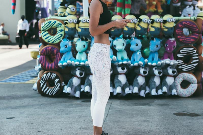 splatter-paint-capri-yoga-leggings
