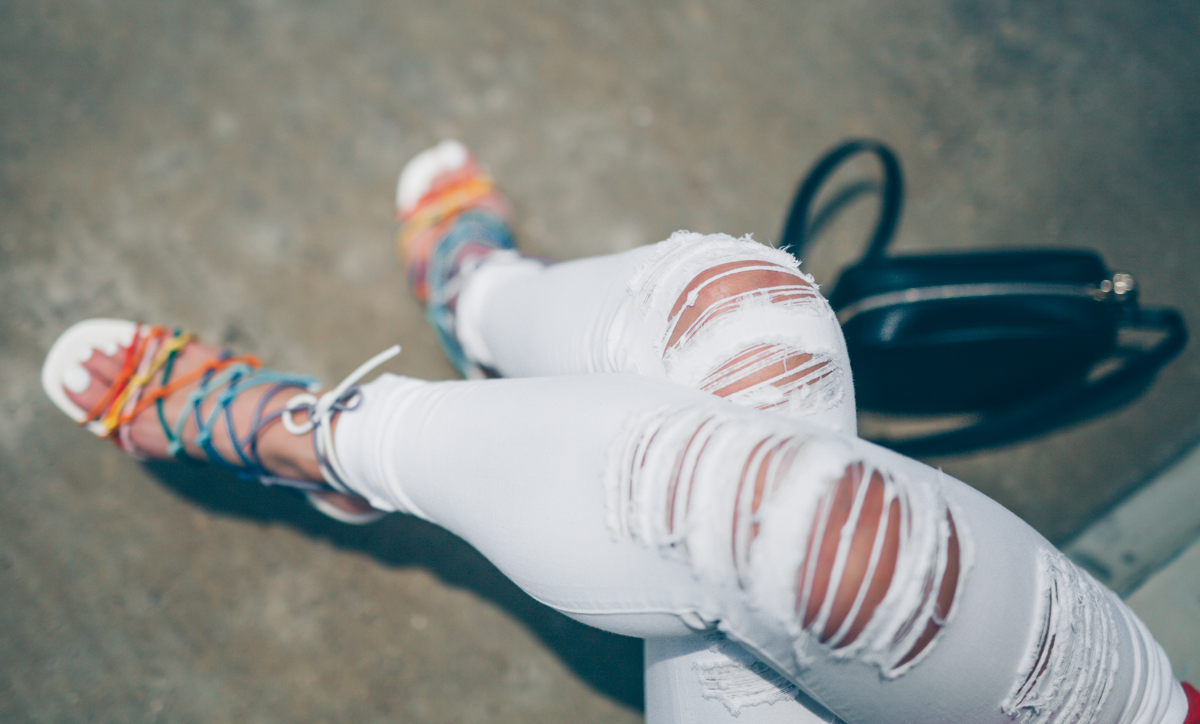 best-white-distressed-jeans